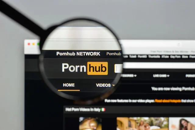 เว็บโป๊ Pornhub